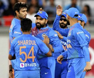 page3news-rohit_sharma_with_team_celebrate_vs_nz